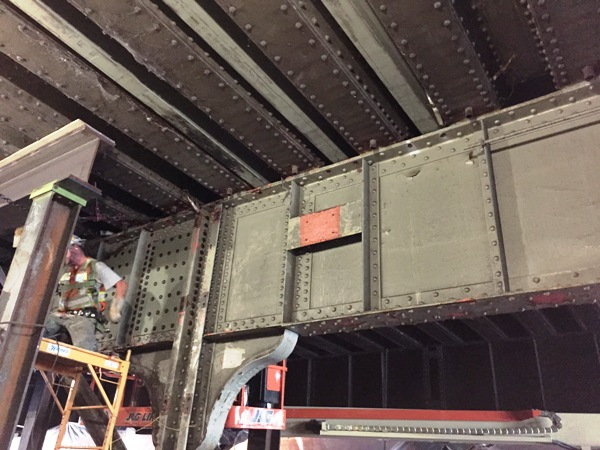 St. Paul Bridge closure, setting 3 beams in existing bridge corrugation deck. 8-14-15 [PHOTO: NYSDOT]